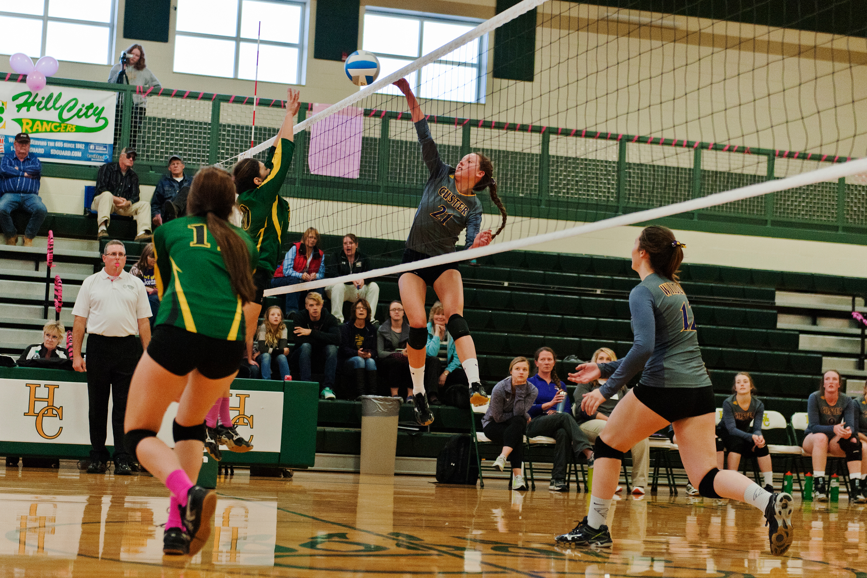 101916-custer-volleyball002-copy